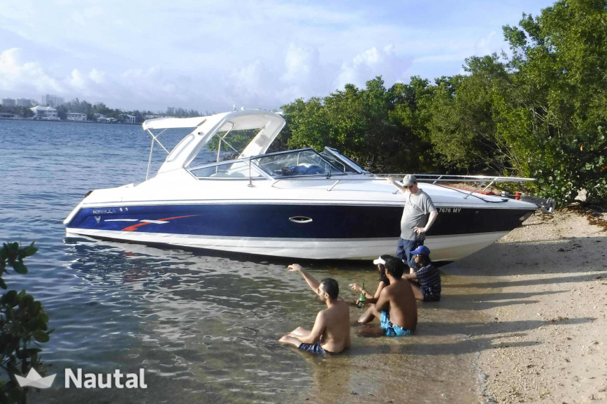 Formula Powerboat Sightseeing Miami Paddleboard Included