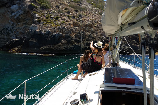 Sailing boat rent Farr Design Somo 34 in Club Nautico San Antonio, Mallorca