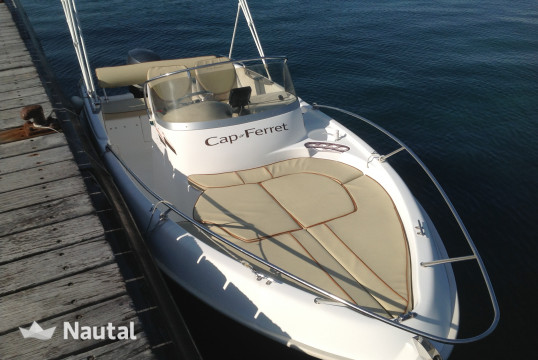 Motorboat rent B2 Marine cap ferret in Port Moure Rouge, Alpes Maritimes - Cannes