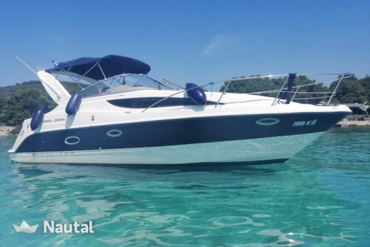 Motorboat rent Bayliner Bayliner 285 Ciera  in Port of Split, Split, Hvar