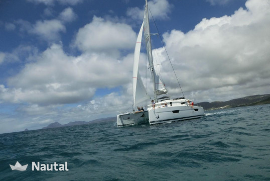 Louer catamaran Fountaine Pajot Saona 47, Port du Marin, Martinique