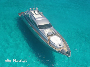 Yacht rent Pershing 90 in Paradise Harbour, Nassau