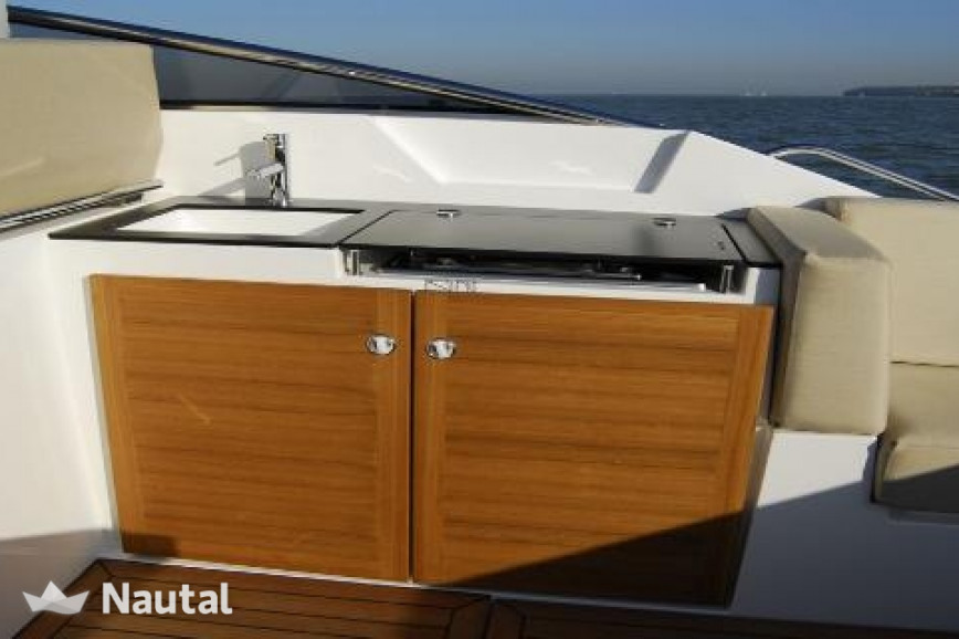 Motorboat rent Sealine Sport 35 Open in Can Pastilla, Mallorca