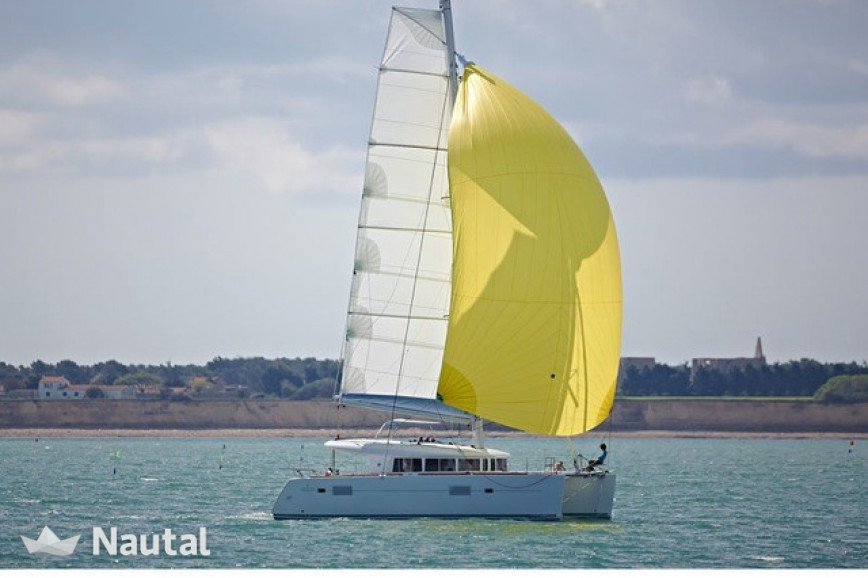 Catamaran rent Lagoon  400 in San Vincenzo Marina, Tuscany