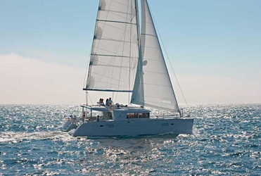 Lagoon  450 with watermaker